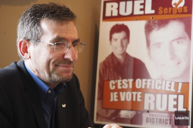 Avec sa démission, M.Ruel s'en va avec un... (Alain Dion, La Voix de l'Est)