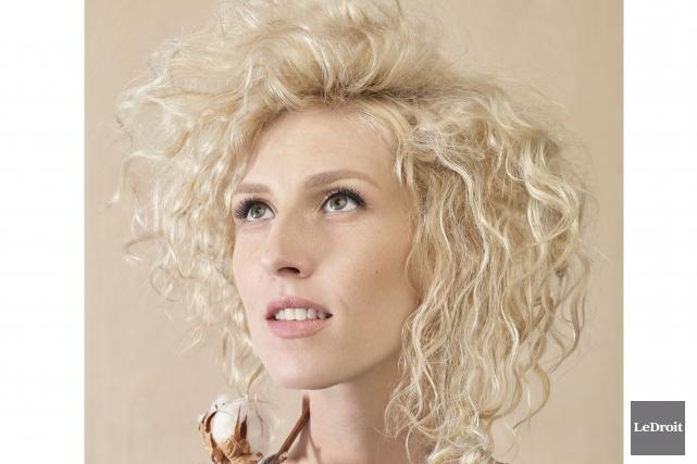 L'auteur-compositeur-interprète québécoise,Ingrid St-Pierre, a sorti son troisième album.... (Archives Le Droit)