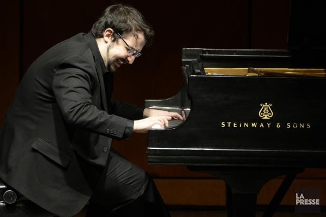 Le pianiste Charles Richard-Hamelin faisait hier sa rentrée... (PHOTO BERNARD BRAULT, LA PRESSE)