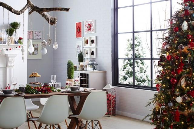 Pour mettre en valeur sa ligne de meubles et d'accessoires de décoration... (Canadian Tire)
