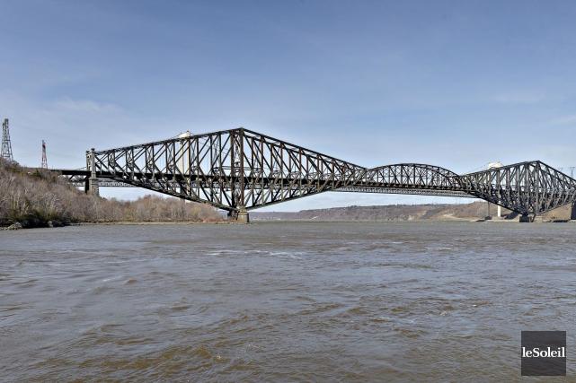 Le pont de Québec... (Photothèque Le Soleil, Pascal Ratthé)