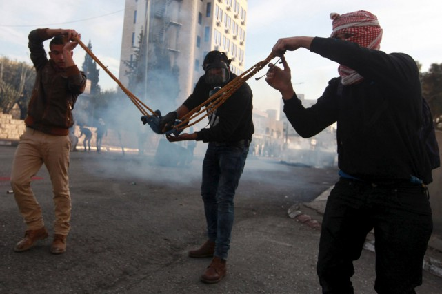 Chaque vendredi (photo: à Bethléem), les mouvements palestiniens,... (Photo Abdelrahman Younis, Reuters)