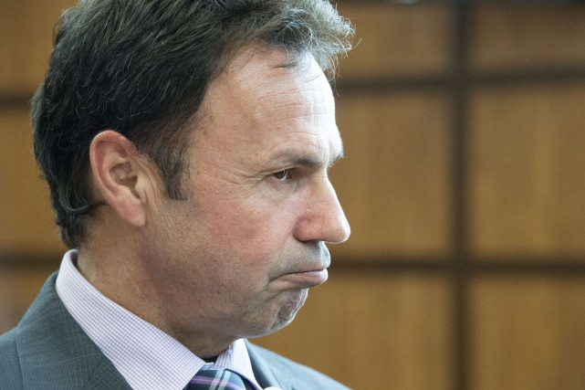 Le maire de Shawinigan, Michel Angers, avale de... (Stéphan Lessard)