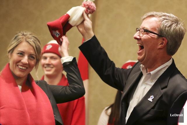 La ministre du Patrimoine canadien, Mélanie Joly, et... (Patrick Woodbury, LeDroit)