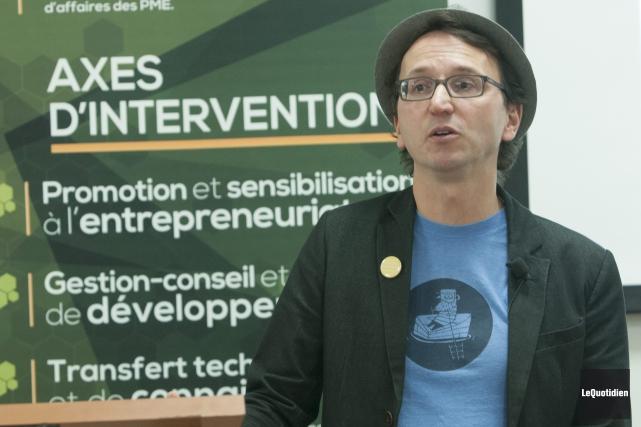 Charles Gagnon, copropriétaire de la Microbrasserie du Lac... (Photo Le Quotidien, Michel Tremblay)