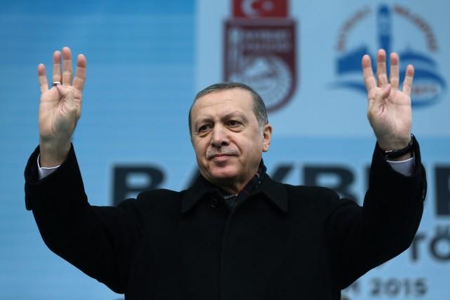 «La Russie est aussi importante pour la Turquie... (PHOTO YASIN BULBUL, ASSOCIATED PRESS)