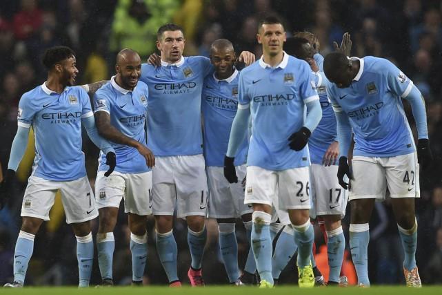 Manchester City partage la tête du classement avec... (PHOTO PAUL ELLIS, AFP)