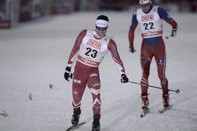 Alex Harvey aremporté une médaille d'argent au 10km... (PHOTO HEIKKI SAUKKOMAA, REUTERS)