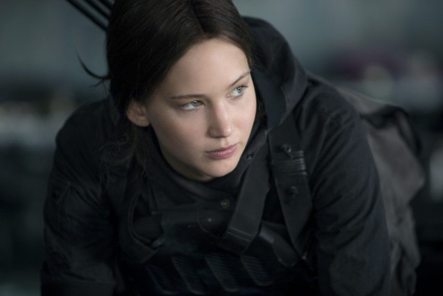 Jennifer Lawrence dans The Hunger Games: Mockingjay - Part... (PHOTO FOURNIE PAR LES FILMS SÉVILLE)