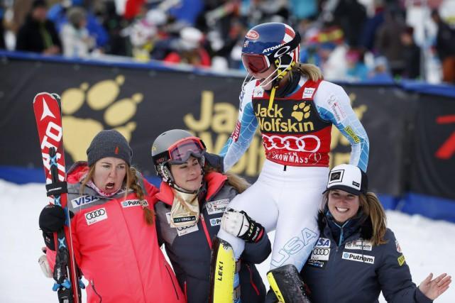La victoire de Mikaela Shiffrin lui a valu... (PHOTO BRENNAN LINSLEY, AP)