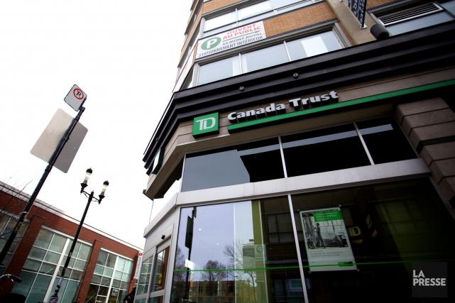 Les principales banques canadiennes devraient tenter de freiner leurs dépenses,... (Sarah Mongeau-Birkett, Archives La Presse)