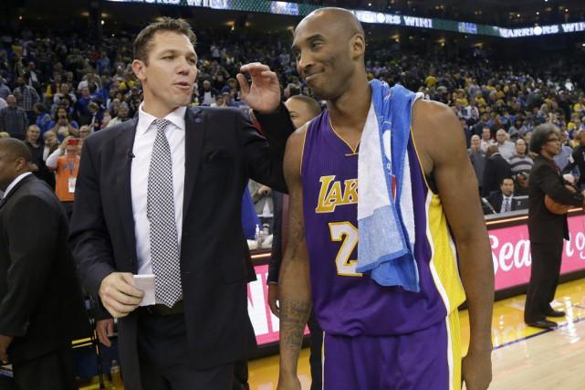 Kobe Bryant (à droite sur la photo).... (Photo archives AP)