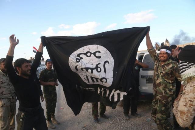 Des centaines d'Américains ont rejoint les rangs du groupe État islamique en... (ARCHIVES AP)