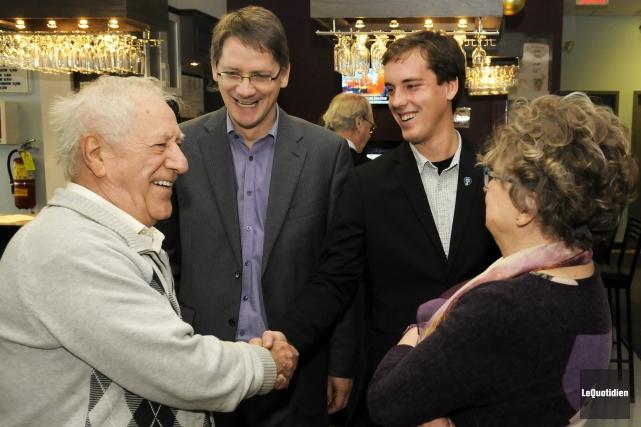 Le député de Jonquière Sylvain Gaudreault et le... (Photo Le Quotidien, Mariane L. St-Gelais)