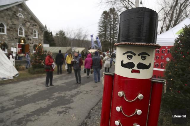 Le marché de Noël de Sutton est une... (Julie Catudal, La Voix de l'Est)