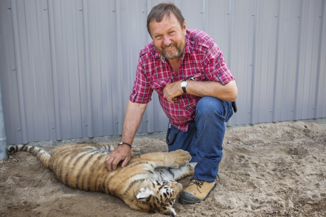 Normand Trahan, propriétaire du Zoo de Saint-Édouard, et... (Olivier Croteau)