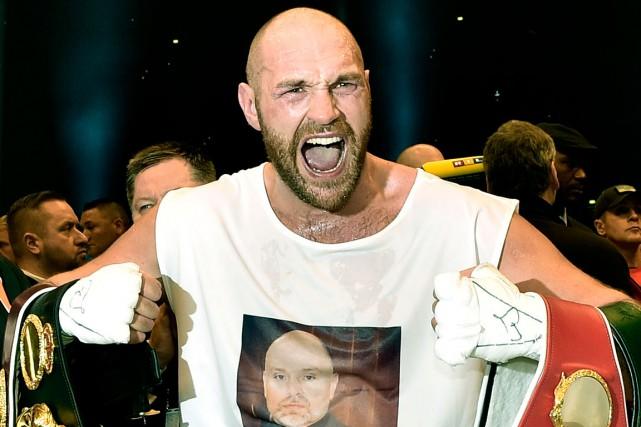 Tyson Fury acréé une énorme surprise en battant,... (AP, Martin Meissner)