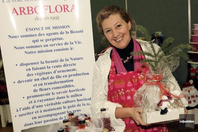 «Mme Arboflora», l'horticultrice Tamara Anna Koziej, demande l'aide... (Photo Le Quotidien, Mariane L. St-Gelais)