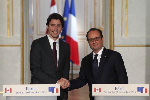 Le premier ministre Justin Trudeau et le président... (AP, Thibault Camus)