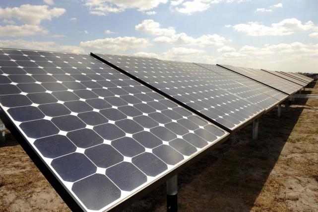 Parmi les énergies vertes, le solaire a vu... (Photo Archives AP)