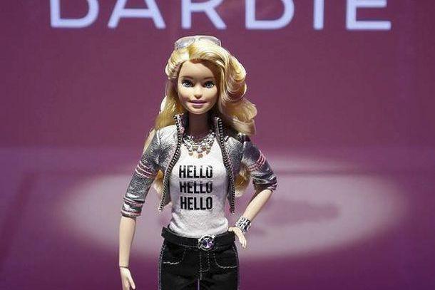 La poupée Hello Barbie... (Fournie par Mattel)