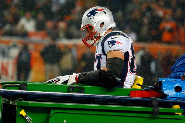 La blessure à un genou qu'a subie Rob... (Photo Jack Dempsey, AP)