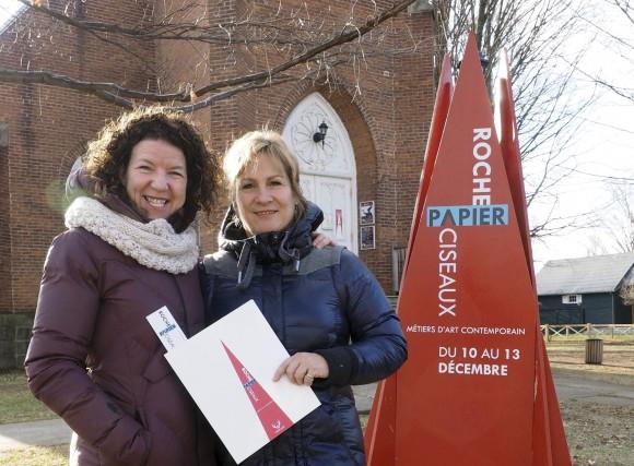 Rachel Grenon, céramiste de Bromont, et Marie-Josée Gravel,... (photo Alain Dion)
