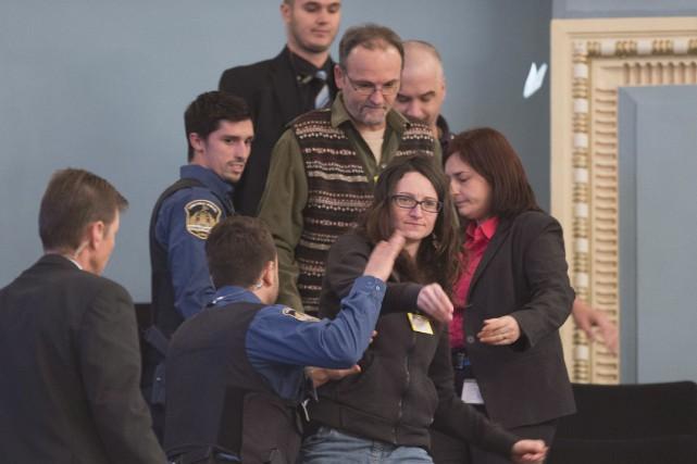 Les sympathisants des groupes adhérant au Front commun... (La Presse Canadienne, Jacques Boissinot)