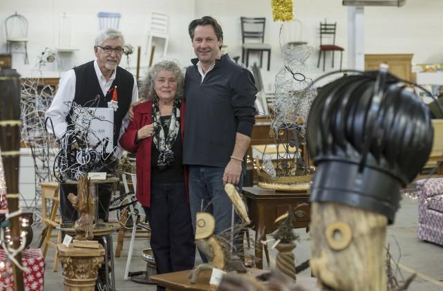 Les artistes recycleurs Jacques Gagnon, Gladys Hann-O'Neill et... (Spectre Média, Frédéric Côté)