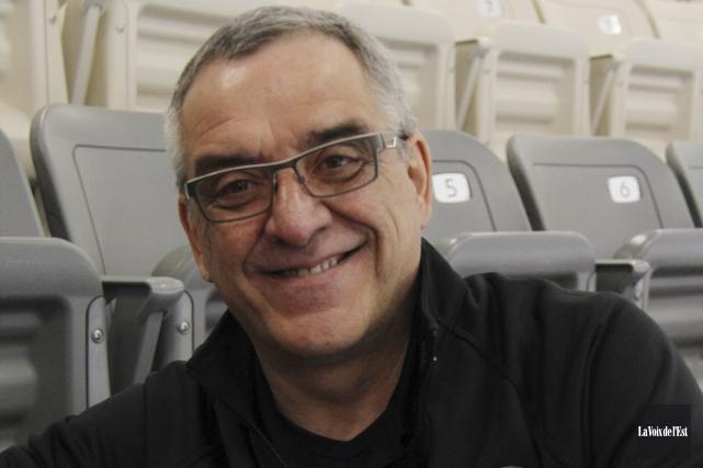 Le président du Tournoi de hockey international bantam... (Janick Marois, archives La Voix de l'Est)