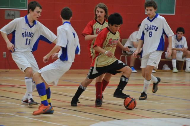 Le FC Trois-Rivières devra probablement entamer ses activités... (Stéphane Lessard)