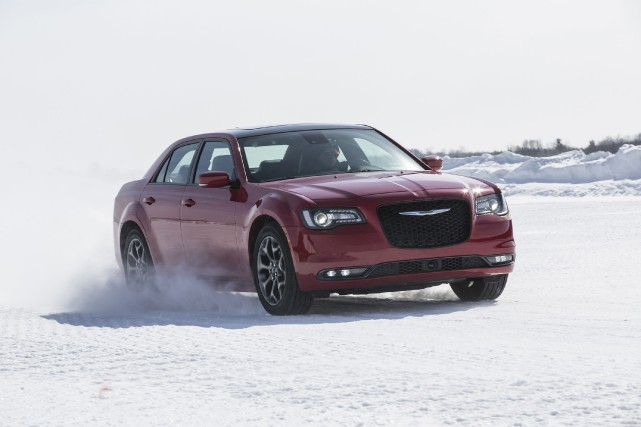 La Chrysler 300 2016...
