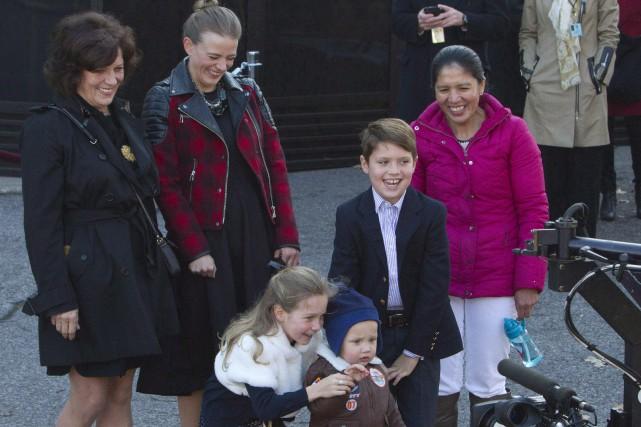 La gouvernante Marilou Trayvilla (en haut, à droite),... (PHOTO FRED CHARTRAND, LA PRESSE CANADIENNE)