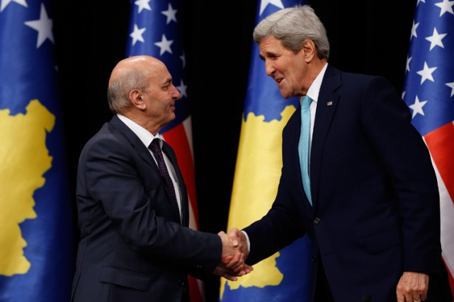 John Kerry a rencontré mercredi le premier ministre... (PHOTO AFP)