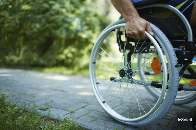 Les personnes handicapées restent marginalisées dans la société... (Photothèque Le Soleil)