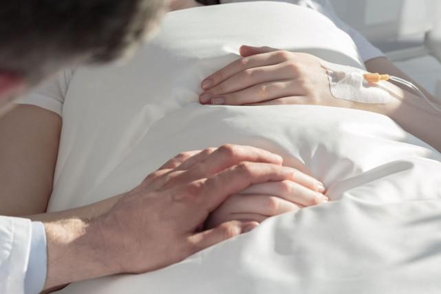 Jeudi matin, la loi sur l'aide médicale à mourir entrera en vigueur au Québec. (123RF)
