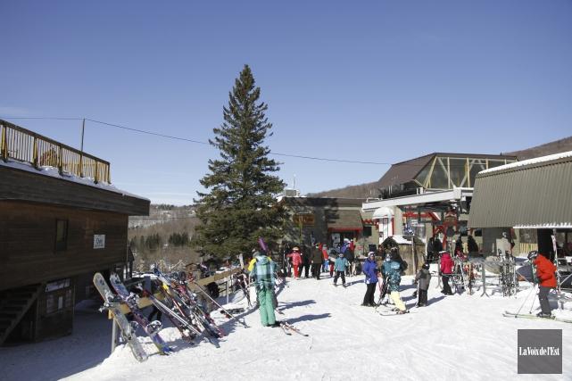 L'industrie du ski génère des retombées annuelles de... (Archives La Voix de l'Est)