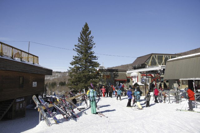 L'industrie du ski génère des retombées annuelles de... (photo archives La Voix de l'Est)