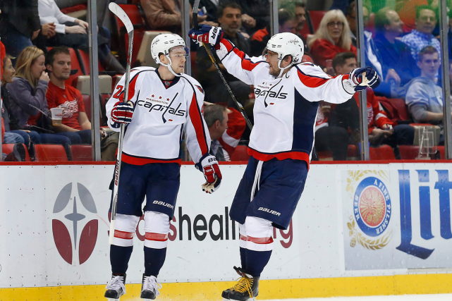 Evgeny Kuznetsov et Alexander Ovechkin... (Photo Paul Sancya, AP)