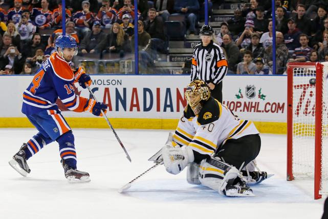 Jordan Eberle a procuré la victoire aux Oilers... (Photo Perry Nelson, USA Today)