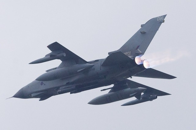 Des Tornado de la Royal Air Force ont... (PHOTO  JUSTIN TALLIS, AFP)