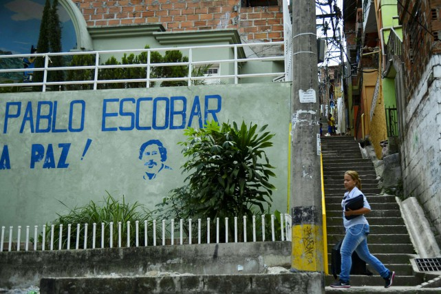 Pas moins de 6600 maisonnettes colorées s'étagent sur... (PHOTO RAUL ARBOLEDA, AFP)