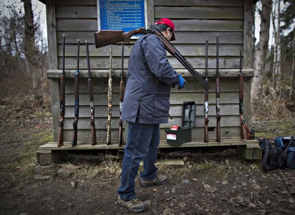 Le Québec compte actuellement 1,6 million d'armes de... (Archives Reuters)