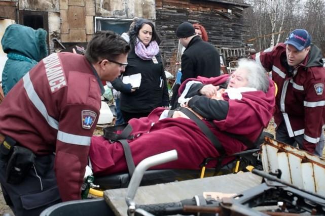 Marie-Claire Richard a quitté les lieux par ambulance... (Stéphane Lessard)