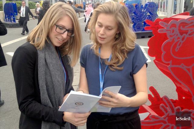 Catherine Viens et Kassandra Bellefleur, étudiantes à l'Université... (Le Soleil, Gilbert Lavoie)
