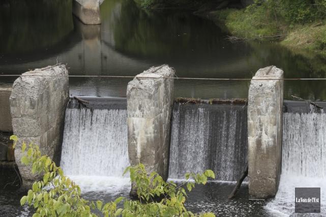 La reconstruction du barrage est dans les plans... (Alain Dion, La Voix de l'Est)