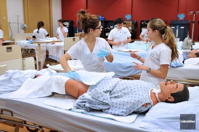 Le Saguenay-Lac-Saint-Jean compte 9,8 infirmières pour 1000 habitants,... (Archives Le Quotidien, Rocket Lavoie)