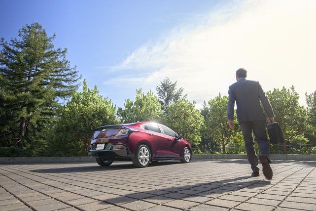 Vous avez peut-être entendu parler des véhicules électriques et hybrides, sans... (Crédit photo: Chevrolet Volt 2016)