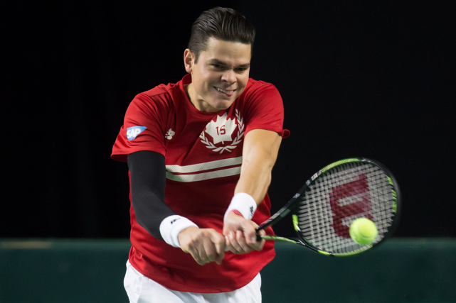 Milos Raonic et l'équipe canadienne de Coupe Davis... (Photo Darryl Dyck, archives PC)