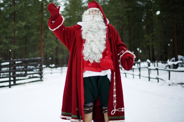Non, ça ne sent pas le sapin pour le père Noël: le plus grand journal norvégien... (PHOTO ARCHIVES AFP)